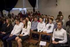 dzień-patrona-grupowe-uczniowie
